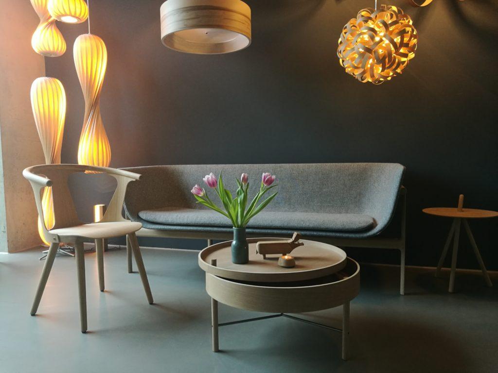 Holz und Hygge Showroom Café für Design Möbel Jena gemütlich Inneneinrichtung