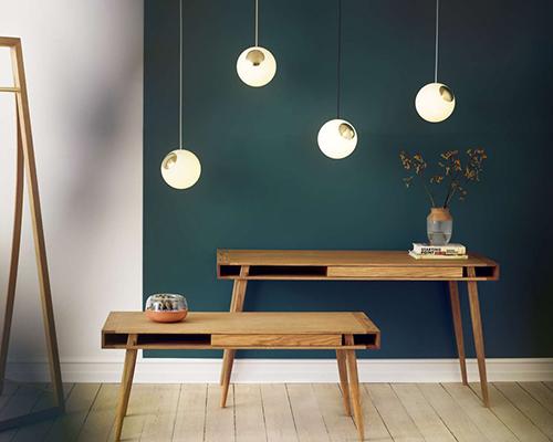 Holz und Hygge Möbel Jena Showroom Shop Designer Schreibtisch mit Couchtisch Poet Desk Coffee Table Nordic Tales Poet Desk