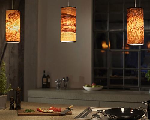 Holz und Hygge Möbel Jena Showroom Shop Esstisch Pendelleuchte Holzfurnier von LeuchtNatur Nux